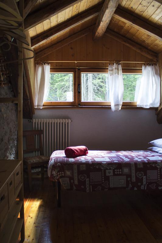 hotel-suisse-saint-rhemy-en-bosses-svizzera-pittoresk-italy-mont-velan-gran-san-bernardo-via-francigena-rooms-3