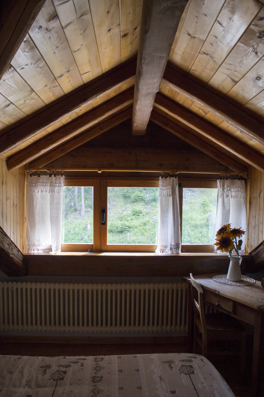 hotel-suisse-saint-rhemy-en-bosses-svizzera-pittoresk-italy-mont-velan-gran-san-bernardo-via-francigena-rooms-4
