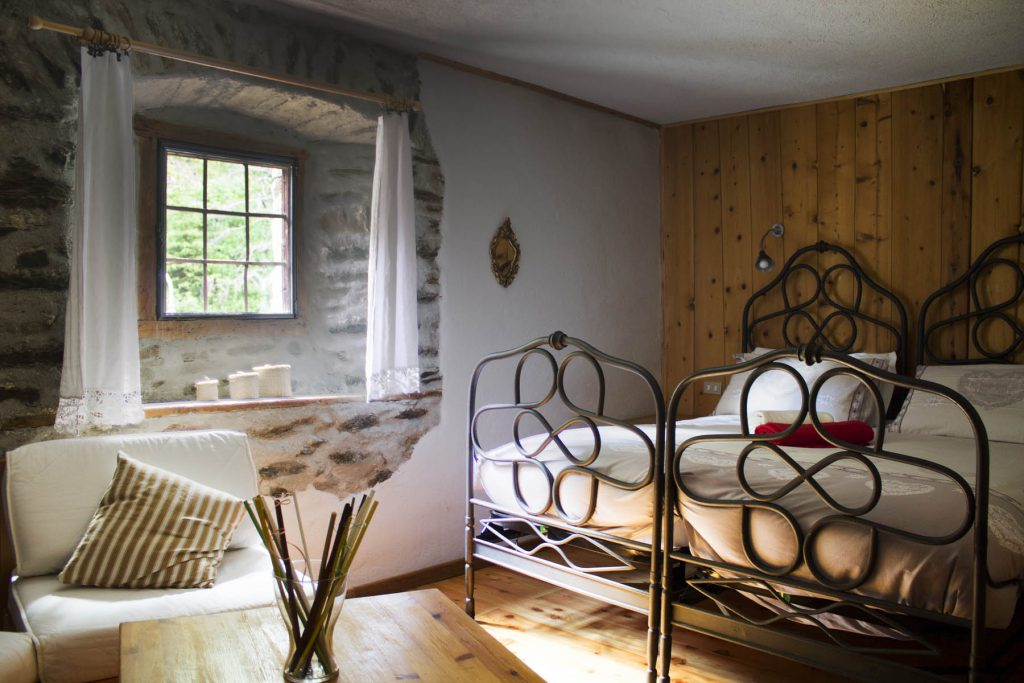 hotel-suisse-saint-rhemy-en-bosses-svizzera-pittoresk-italy-mont-velan-gran-san-bernardo-via-francigena-rooms-stanze-camera-banner