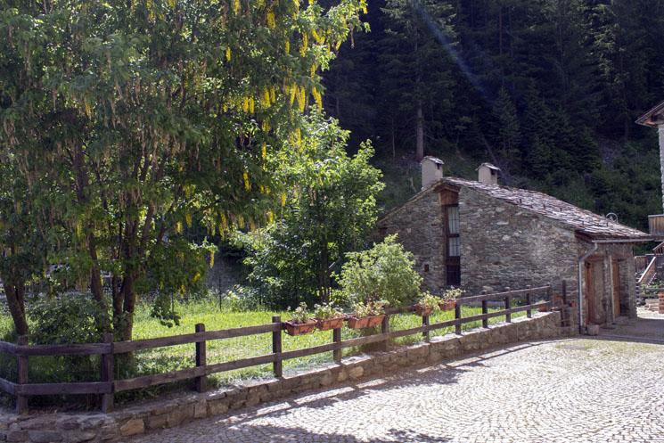 il-borgo-saint-rhemy-en-bosses-hotel-suisse-svizzera-vda-valle-aosta-gran-san-bernardo-great-st-bernard-pass-9