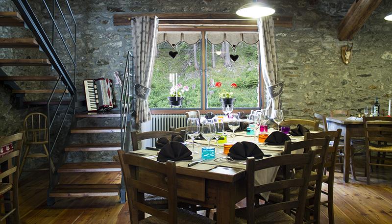 hotel-suisse-saint-rhemy-en-bosses-vda-valle-aosta-gran-san-bernardo-great-saint-bernard-italian-alps-ristorante