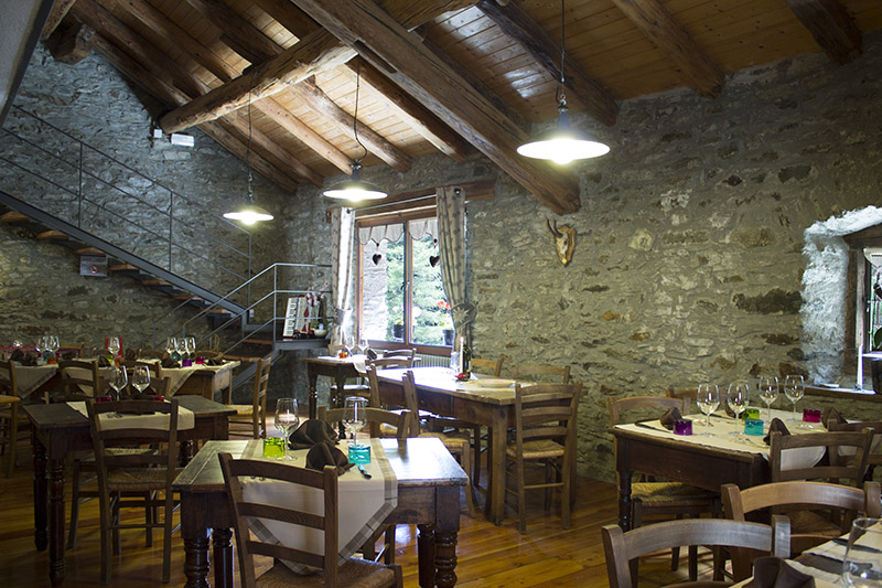suisse-hotel-ristorante-bar-bnb-borgo-st-rhemy-en-bosses-swiss-italy