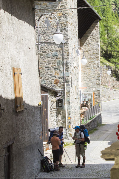 hotel-suisse-via-francigena-bb-pellegrino-suisse-italy-svizzera-italia-benb-bnb-bar-ristorante-saint-rhemy-en-bosses-2
