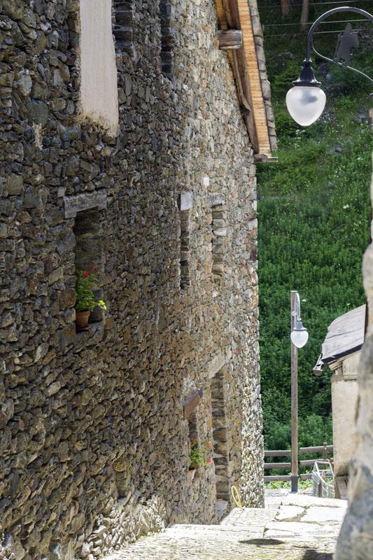 il-borgo-saint-rhemy-en-bosses-hotel-suisse-svizzera-vda-valle-aosta-gran-san-bernardo-great-st-bernard-pass-13