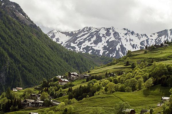 suisse-hotel-saint-rhemy-en-bosses-valle-aosta-vallee-aoste-via-francigena-landscape-italiaanse-alpen